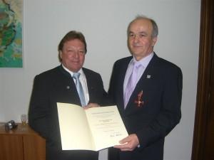 Bundesverdienstkreuz Georg Moosreiner Josef Hartl